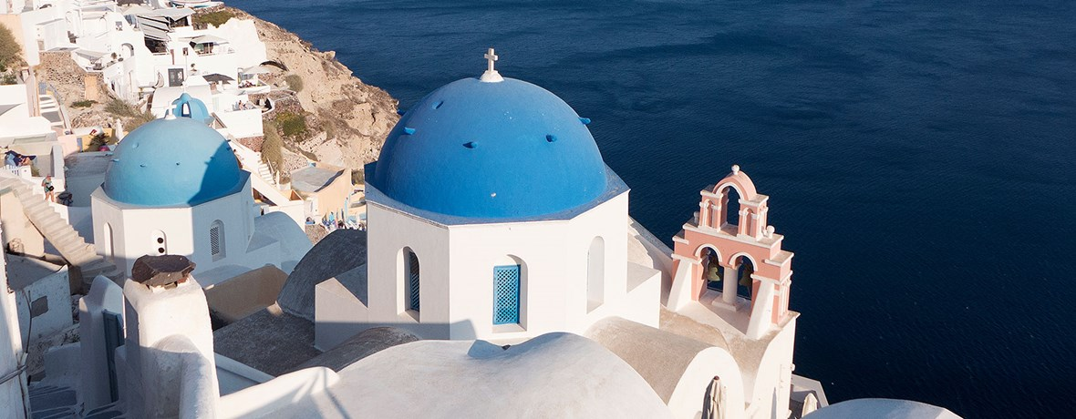 6 different experiences to try in Santorini this season!